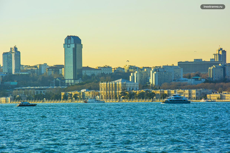 Дворец Стамбула Долмабахче