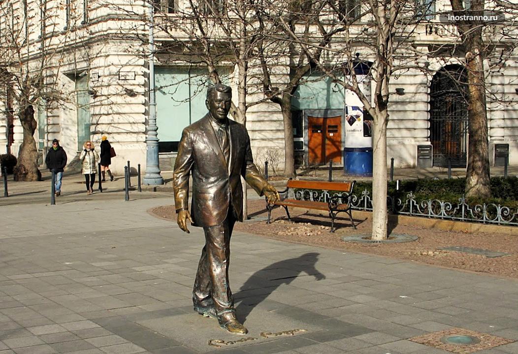 Статуя Рональда Рейгана в Будапеште