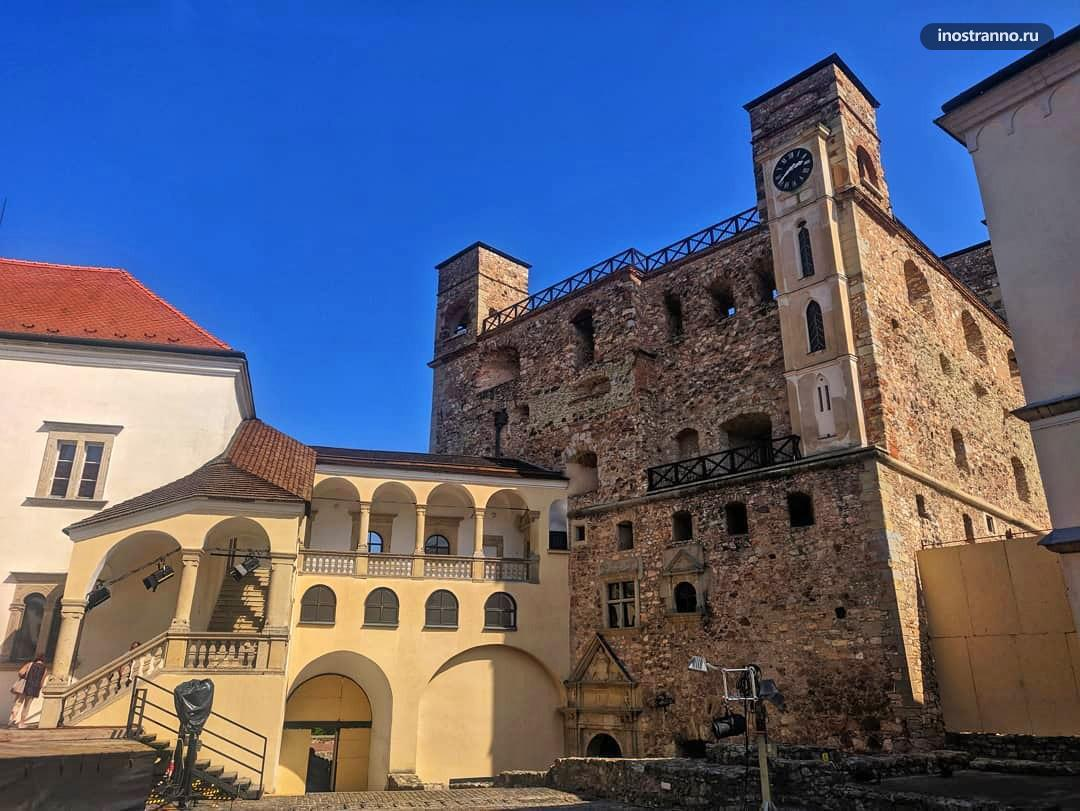 Замок Ракоци в Шарошпатаке