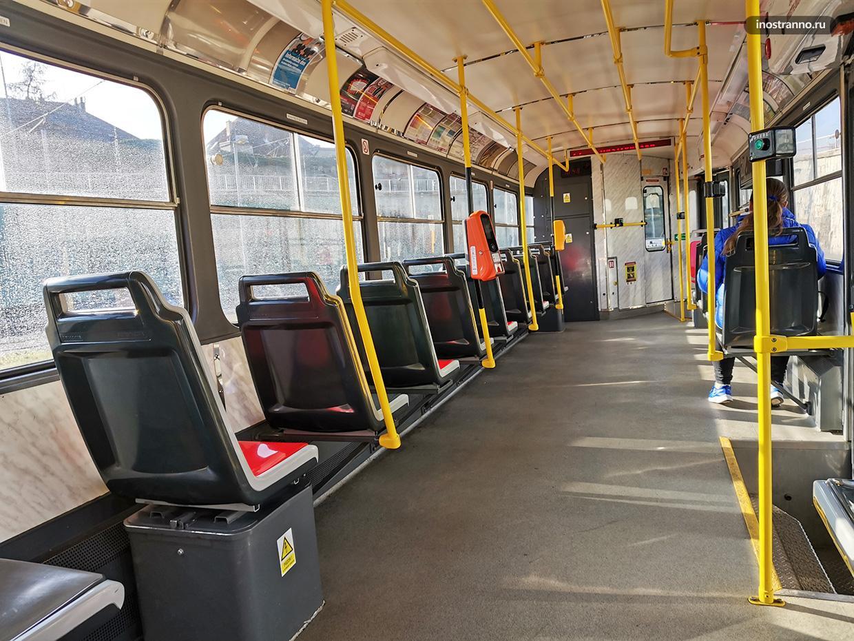 Трамвай Tatra T3 интерьер и салон