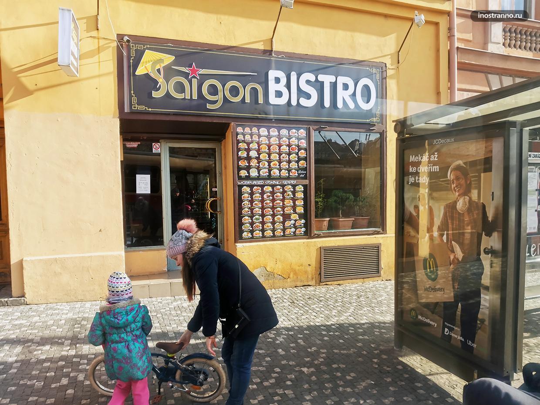 Вьетнамское кафе в Праге где можно недорого поесть