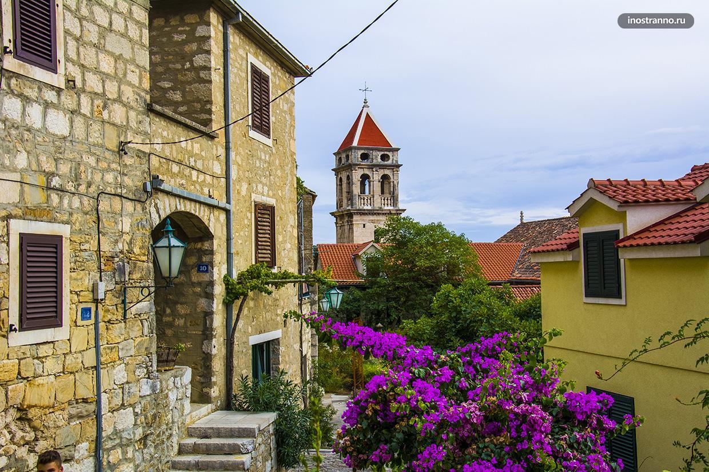 Панорама хорватского города Омиш