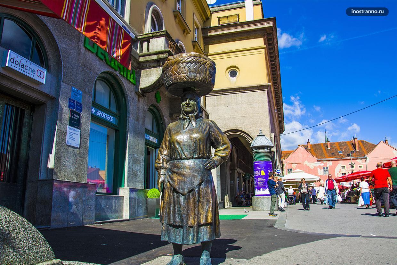 Необычная скульптура в Загребе