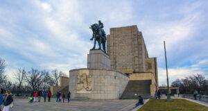 Холм Витков в Праге и его нетуристическая смотровая площадка