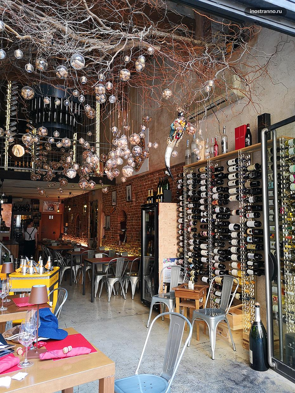 Винотека в Италии