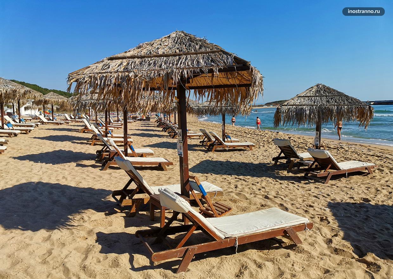 Лучший пляж в Болгарии в тропическом стиле