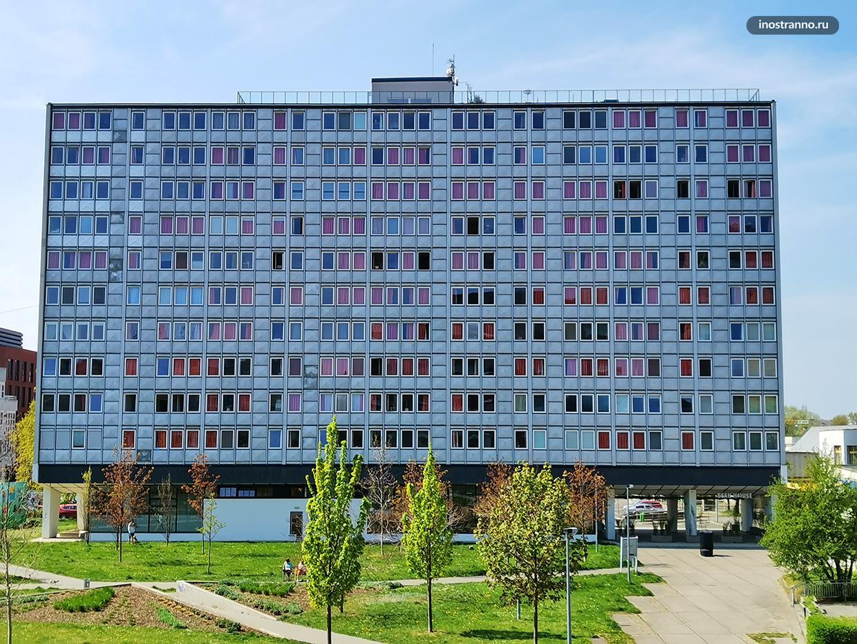 Здание в брюссельском стиле