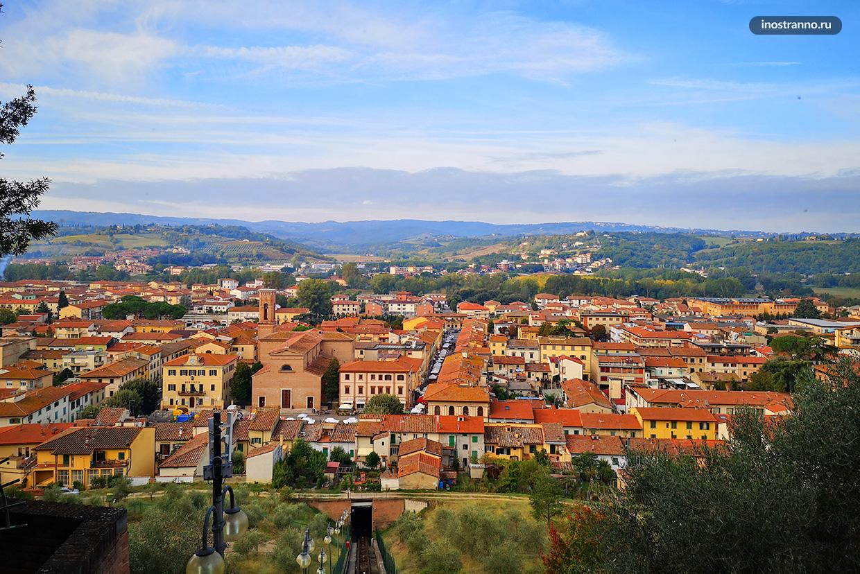 Панорама итальянского города Чертальдо