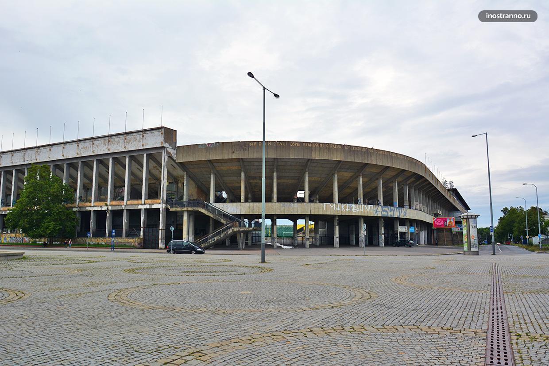 Самый большой спортивный стадион в мире