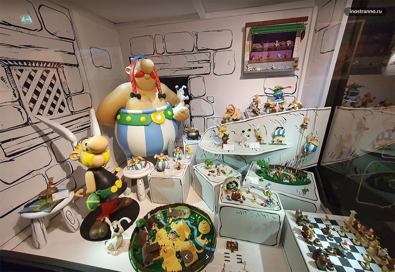 MOOF Museum с героями комиксов в Брюсселе
