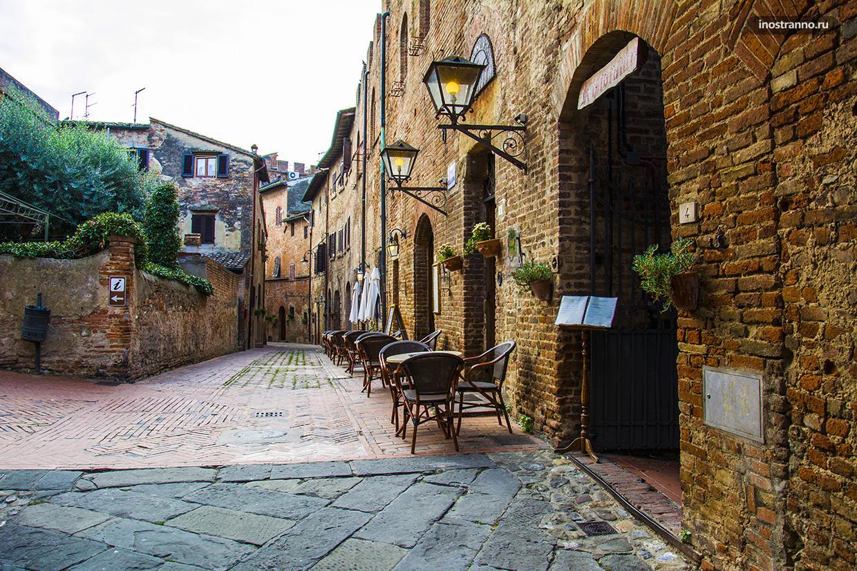 Средневековая улочка в Италии