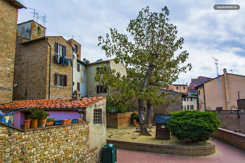 Романтичный город Чертальдо в Тоскане