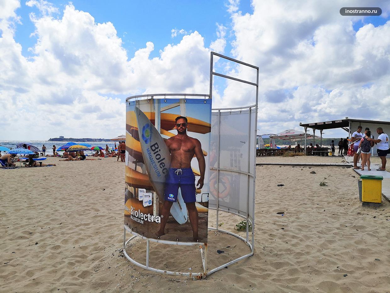 Пляж в Болгарии как оборудован
