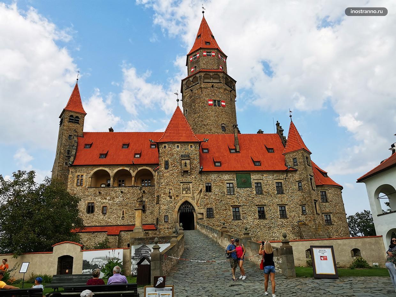 Замок Боузов фото и отзывы