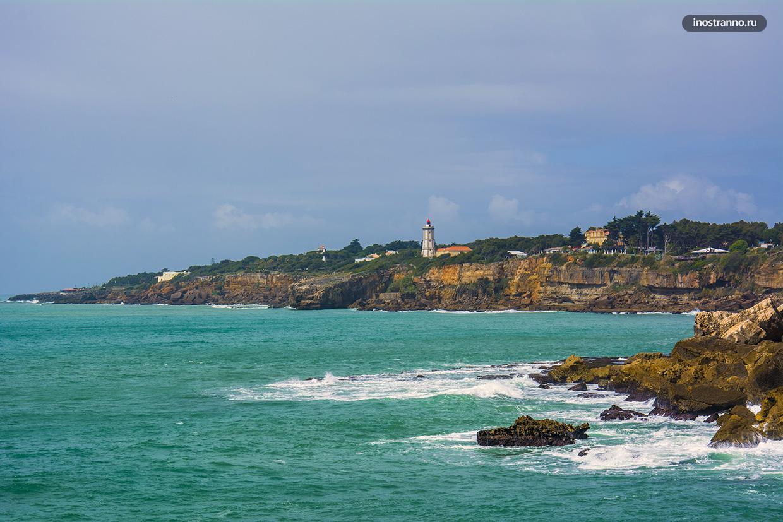 Прибрежные скалы в Португалии
