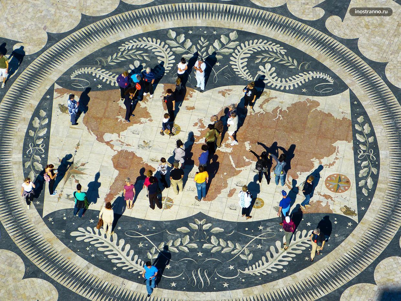 Мозаика с изображением карты мира в районе Белен