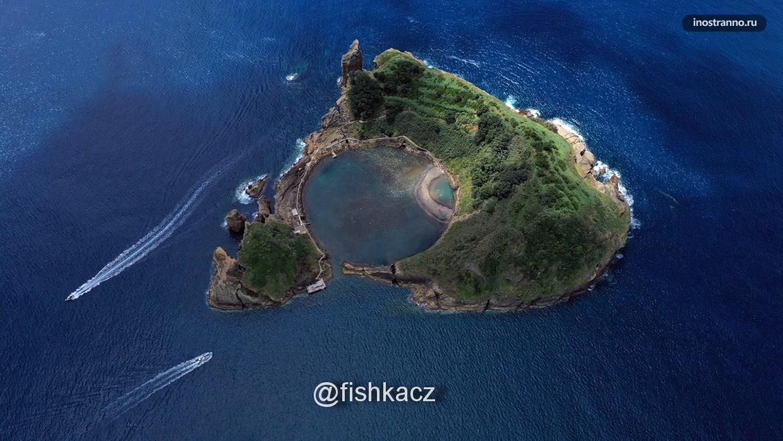 Панорама живописного острова в Атлантическом океане