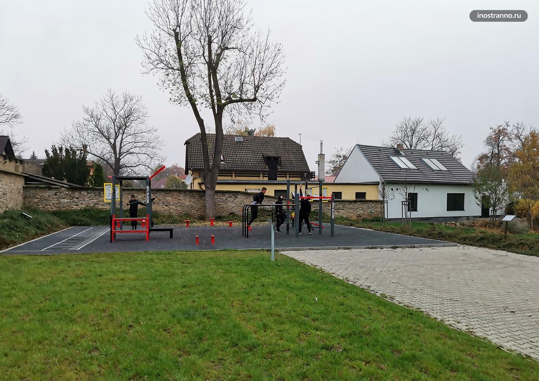 Уличная площадка для спорта воркаута