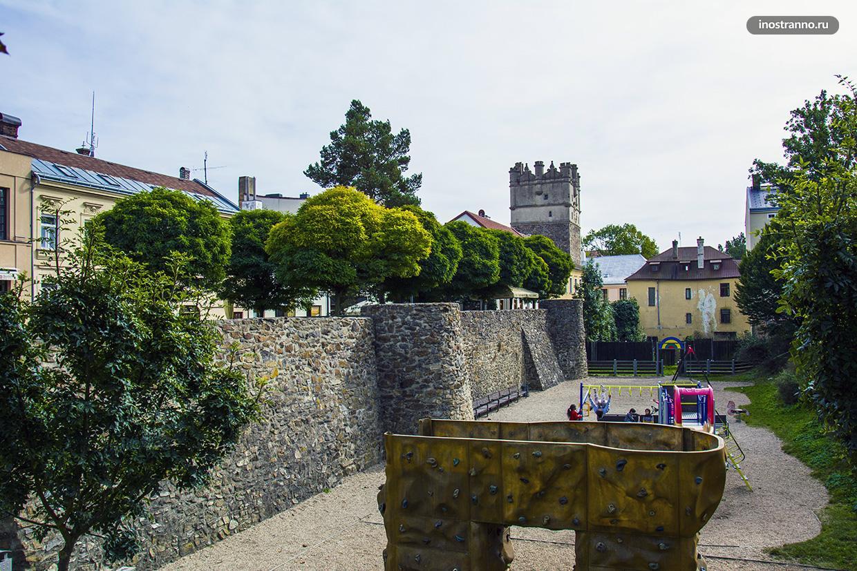 Йиглава средневековые стена и ворота