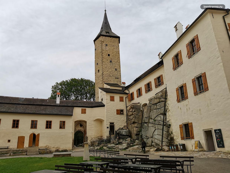 Замок Роштейн по пути в Тельч
