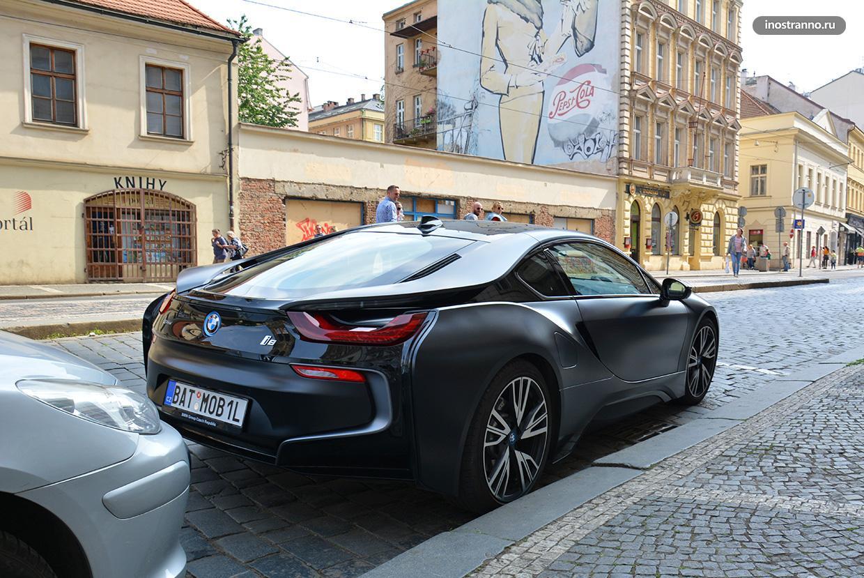 Бэтмобиль BMW i8