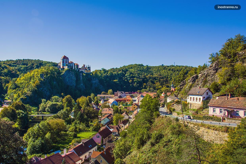 Чешская деревня с замком
