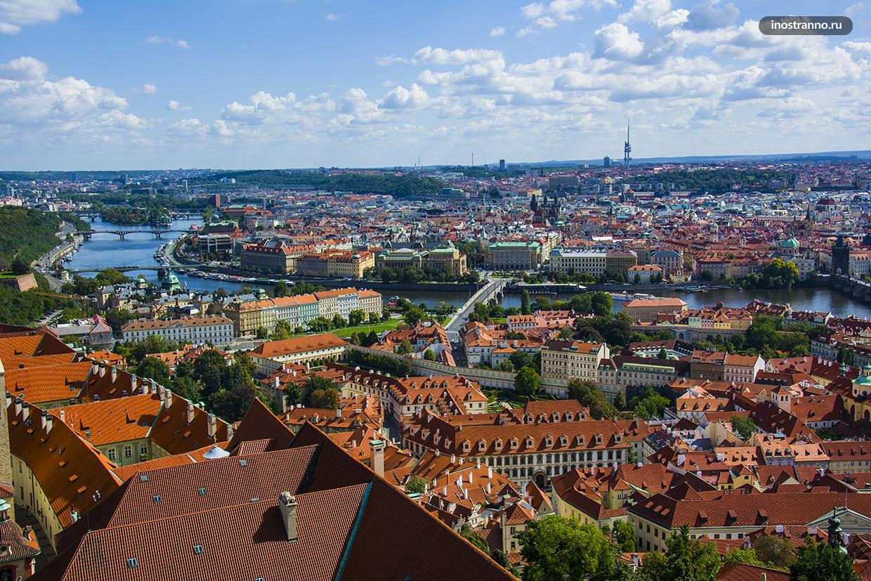 Исторический центр Праги фото с дрона