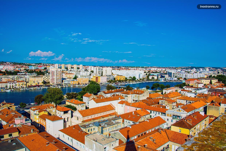 Современный район с домами в Хорватии