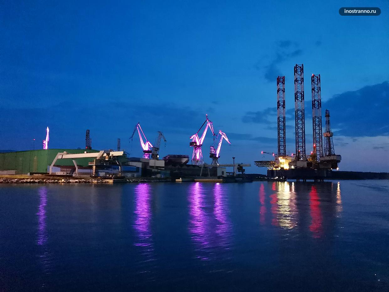 Подсветка портовых кранов