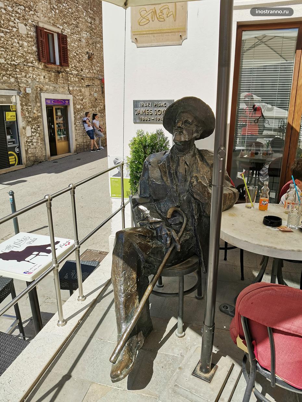 Скульптура Джеймса Джойса в Пуле