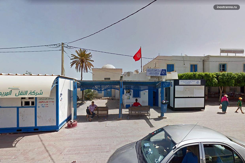 Автобусная остановка в Джербе Тунис