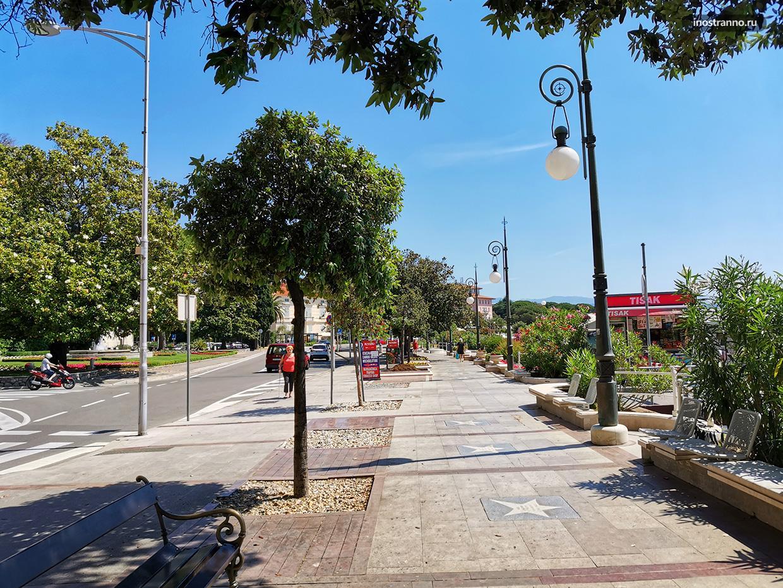 Что посмотреть в Опатии, Аллея славы