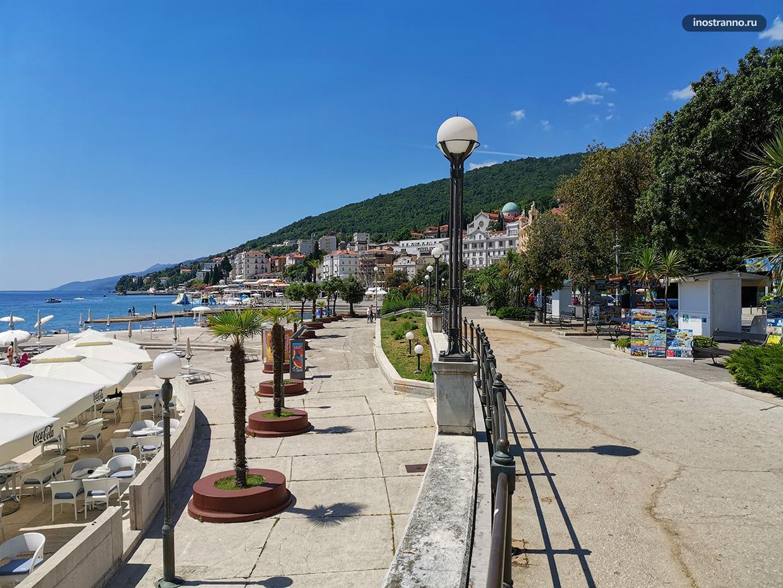 Инфраструктура пляжа Слатина