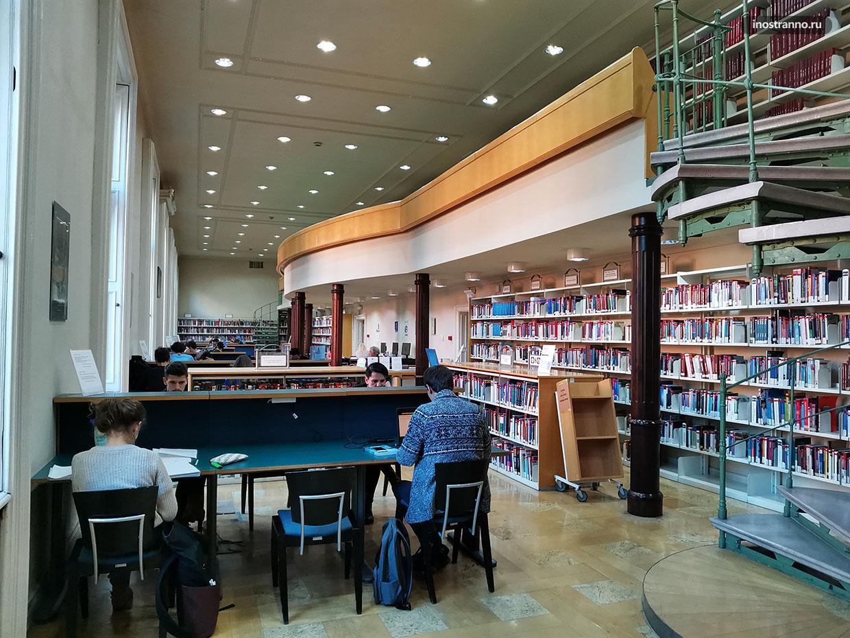 Обязательное для посещения место в Будапеште - библиотека Эрвина Сабо