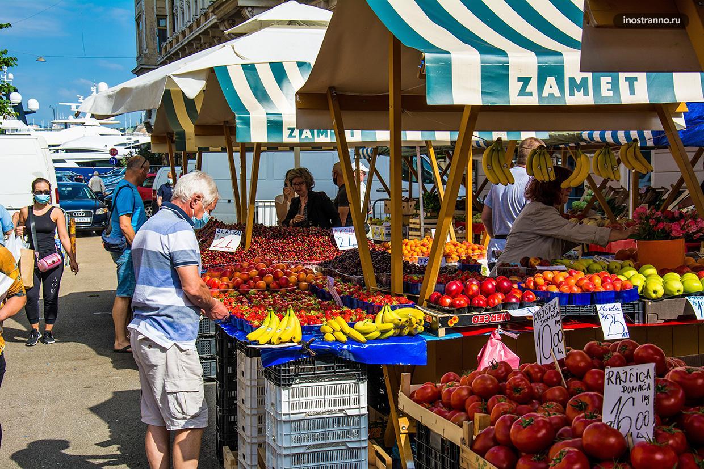 Местный городской рынок в Риеке