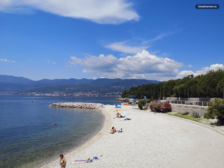 Пляж Плоче рядом с Риекой